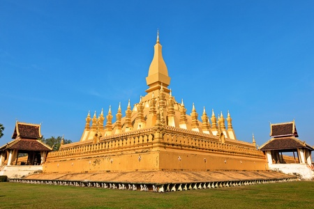 that: Pha That Luang temple in Vientiane, Laos