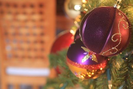 Purple Metallic Christmas Ornaments Reklamní fotografie