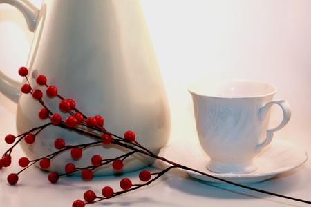 White Tea Set with Holly Berries Reklamní fotografie