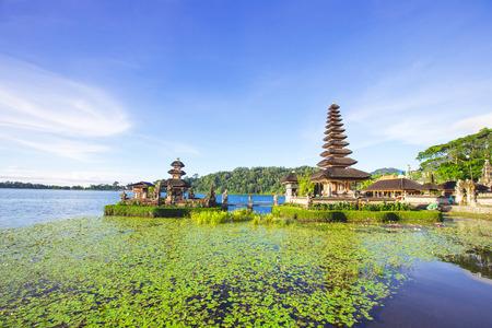gr: Pura Ulun Danu temple, Bali, Indonesia