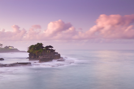 gr: Tanah Lot Temple on Sea in Bali Island Indonesia