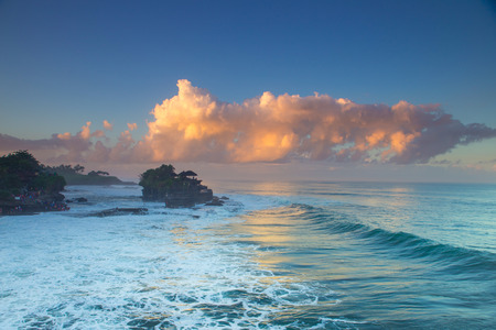 gr: Tanah Lot Temple on Sea in Bali Island Indonesia