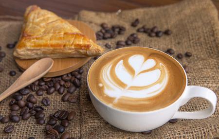 Latte del café con pan Foto de archivo