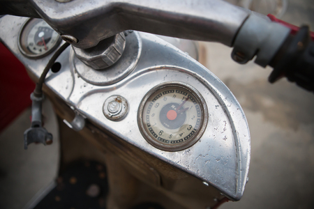 instrumentation: Selective focus analog instrumentation display guage for classic motorcycle