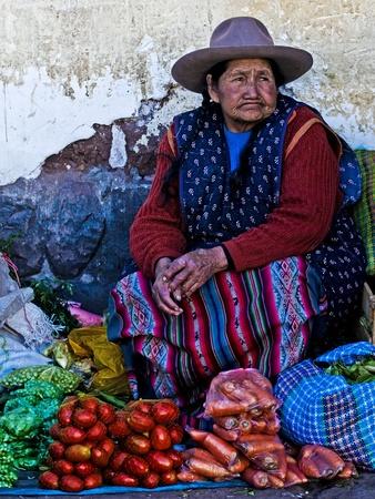 Cusco, Pérou - 27 mai : Femme péruvienne dans un marché à Cusco Pérou, 27 mai 2011 Banque d'images - 10249636