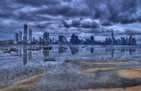 panama city beach: Panama City, Panama - 25 dicembre 2010: Veduta della costa di Panama