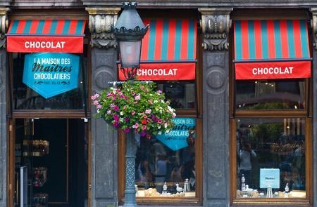 ブリュッセル - 2011 年 7 月 2 日: チョコレート ベルギー ブリュッセル センターに格納