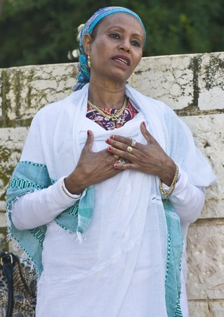 JERUSALEM - NOV 24 : Ethiopian jew  woman prays during  the