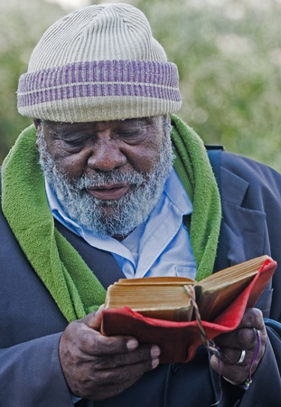 JERUSALEM - NOV 24 : Ethiopian jew prays during the Sigd an unique holiday of the Ethiopian Jewish community