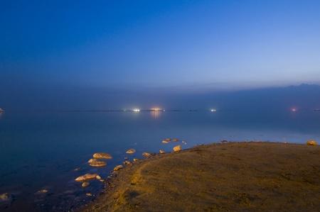 Vista del Mar Muerto temprano por la mañana