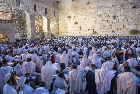 JERUSALEM - SEP 25 : Jewish men prays during the penitential prayers the Selichot , held on September 25 2012 in the Wailing wall in Jerusalem Israel  Stock Photo - 15452955