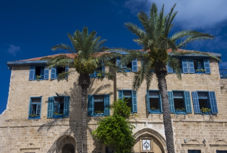 yaffo: Una casa y palmeras en la hist�rica ciudad de Jaffa, Israel Editorial
