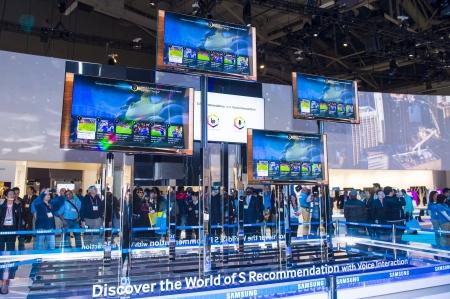 LAS VEGAS - 11. Januar: Das Samsung-Stand auf der CES in Las Vegas am 11. Januar statt 2013, CES ist der weltweit führende Hersteller von Verbraucherelektronik-Electronics Show und Unternehmen aus der ganzen Welt kommen, um ihre neuesten Technologien und Produkte zu zeigen. Editorial