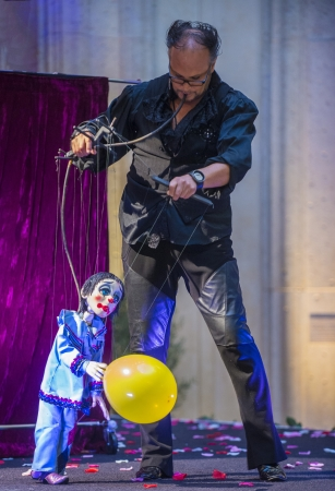 carnevale: LAS VEGAS - JULY 16 : Puppeteer Perform at the Carnevale experience festival in the Venetian Hotel in Las Vegas on July 16, 2013.