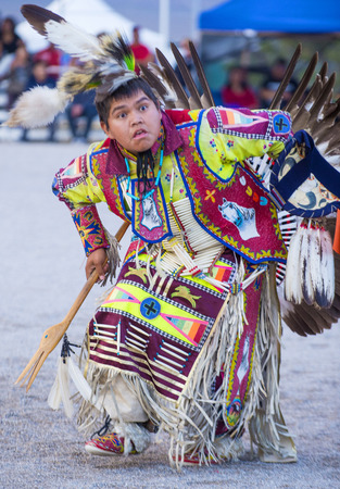 paiute: LAS VEGAS - MAY 24 : Native American man takes part at the 25th Annual Paiute Tribe Pow Wow on May 24 , 2014 in Las Vegas Nevada. Pow wow is native American cultural gathernig event.
