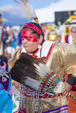 paiute: LAS VEGAS - MAY 24 : Native American woman takes part at the 25th Annual Paiute Tribe Pow Wow on May 24 , 2014 in Las Vegas Nevada. Pow wow is native American cultural gathernig event.