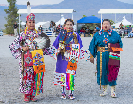 paiute: LAS VEGAS - MAY 24 : Native American women takes part at the 25th Annual Paiute Tribe Pow Wow on May 24 , 2014 in Las Vegas Nevada. Pow wow is native American cultural gathernig event.