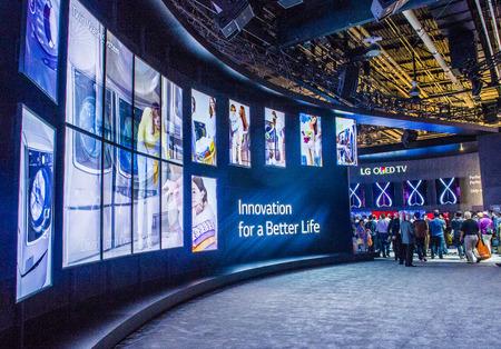 LAS VEGAS - 9 janvier: Le stand LG lors du salon CES tenue à Las Vegas le 09 Janvier 2015, CES est le premier spectacle consommateurs d'électronique du monde. Banque d'images - 36138740
