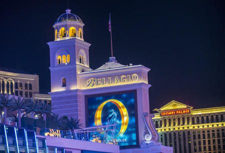 bellagio las vegas: LAS VEGAS - FEB 04 : Bellagio hotel and casino on February 04 , 2015 in Las Vegas. Bellagio is a luxury hotel and casino located on the Las Vegas Strip. The Bellagio opened on 1998.
