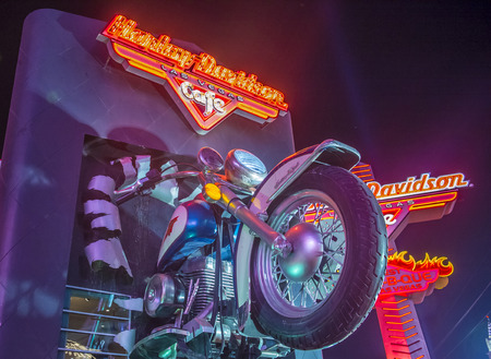 sportster: LAS VEGAS - FEB 18: The Harley Davidson Cafe in Las Vegas strip on February 18 2015. In the facade there is a 7.1:1 scale replica Sportster weighing 1,200 lbs and measuring 32 feet.