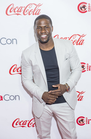LAS VEGAS - APR 23 : Actor Kevin Hart, winner of CinemaCon's Comedy Star of the Year, attends the 2015 Big Screen Achievement Awards during 2015 CinemaCon on April 23 , 2015 in Las Vegas , NV