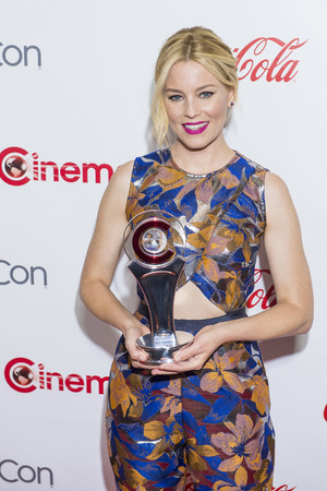 filmmaker: LAS VEGAS - APR 23 : Actress Elizabeth Banks, winner of CinemaCons Breakthrough Filmmaker of the Year award, attends the 2015 Big Screen Achievement Awards on April 23 , 2015 in Las Vegas.