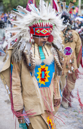 cultural and ethnic clothing: SAN MIGUEL DE ALLENDE , MEXICO - MAY 31 :Native American with traditional costume participates at the festival of Valle del Maiz on May 31 , 2015 in San Miguel de Allende ,Mexico. Editorial