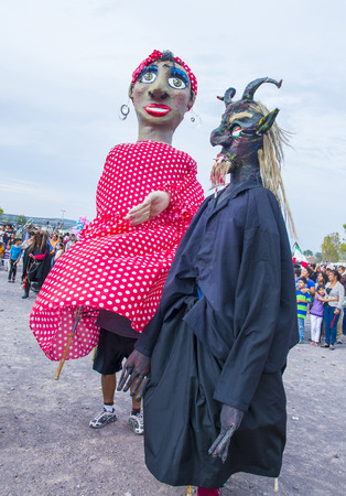 papiermache: SAN MIGUEL DE ALLENDE , MEXICO - MAY 31 : Mojigangas at the festival of Valle del Maiz on May 31 , 2015 in San Miguel de Allende ,Mexico. Mojigangas are traditional Mexican giant puppets.