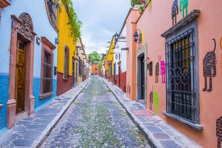 サン ミゲル デ アジェンデ、メキシコ - 5 月 31 日: サン ミゲル デ アジェンデ、2015 年 5 月 31 日にメキシコのストリート ビュー。歴史的な街サン ・  報道画像