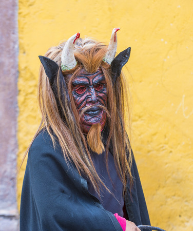 folk heritage: SAN MIGUEL DE ALLENDE , MEXICO - MAY 31 : participant at the festival of Valle del Maiz on May 31 , 2015 in San Miguel de Allende ,Mexico.