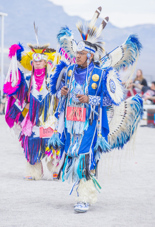 paiute: LAS VEGAS - MAY 24 : Native American men takes part at the 26th Annual Paiute Tribe Pow Wow on May 24 , 2015 in Las Vegas Nevada. Pow wow is native American cultural gathernig event.