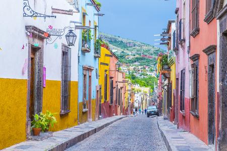 サン ミゲル デ アジェンデ、メキシコ - 5 月 31 日: San Miguel de アジェンデ、2015 年 5 月 31 日にメキシコのストリート ビュー。歴史的な街サン Miguel de