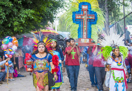 folk heritage: SAN MIGUEL DE ALLENDE , MEXICO - MAY 31 : participants at the festival of Valle del Maiz on May 31 , 2015 in San Miguel de Allende ,Mexico. Editorial