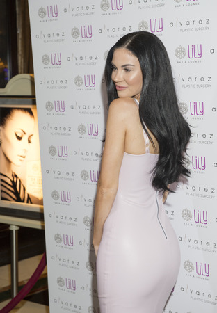 bellagio las vegas: LAS VEGAS - JULY 17 : Model and television personality Jayde Nicole attends a party for Alvarez Plastic Surgery at Lily Bar & Lounge at the Bellagio hotel in Las Vegas, Nevada on July 17 2015. Editorial