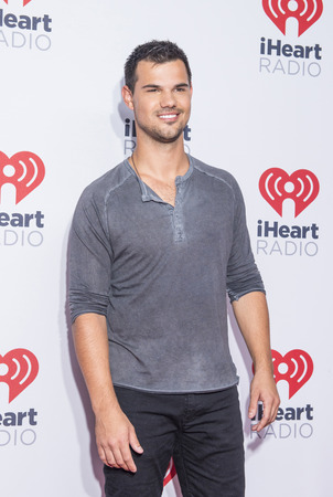 taylor: LAS VEGAS - SEP 18 : Actor Taylor Lautner attends the 2015 iHeartRadio Music Festival at the MGM Grand Garden Arena on September 18, 2015 in Las Vegas. Editorial