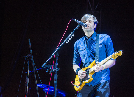 cutie: LAS VEGAS - SEP 27 : Musician Ben Gibbard of Death Cab for Cutie performs onstage during day 3 of the 2015 Life Is Beautiful Festival on September 27, 2015 in Las Vegas, Nevada. Editorial