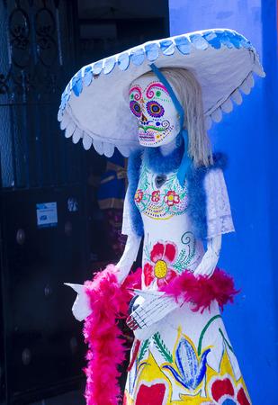 dia de los muertos: OAXACA , MEXICO - NOV 02 : Traditional Mexican art installation at the Dia De Los Muertos celebration in Oaxaca , Mexico on November 02 2015 Editorial