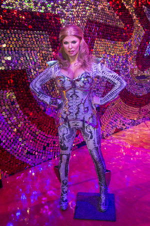 twain: LAS VEGAS - OCT 23 : A waxwork of Shania Twain at The Madame Tussauds museum in Las Vegas on October 23 2015 , The two-floor 30,000-square-foot museum has 100-plus wax replicas.
