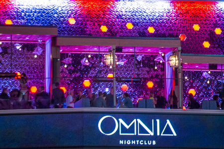 clubber: LAS VEGAS - APRIL 13 : The Omnia Night club in Ceasars palace hotel in Las Vegas on April 13 2016. The multi-leve , 75,000-square-foot venue opend in 2015