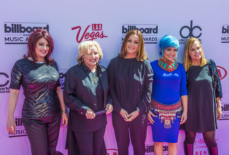 LAS VEGAS - MAY 22 : (L-R) Recording artists Abby Travis, Gina Schock, Belinda Carlisle, Jane Wiedlin, and Charlotte Caffey of The Go-Gos attend the 2016 Billboard Music Awards on May 22, 2016 in Las Vegas