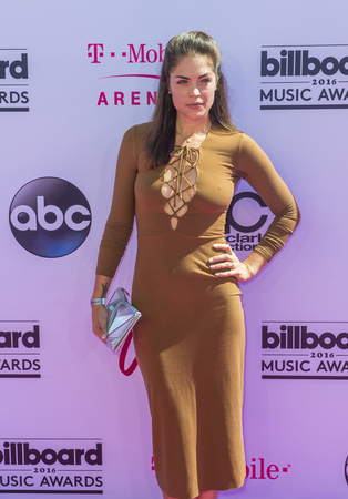kelly: LAS VEGAS - MAY 22 : Actress Kelly Thiebaud attends the 2016 Billboard Music Awards at T-Mobile Arena on May 22, 2016 in Las Vegas, Nevada.