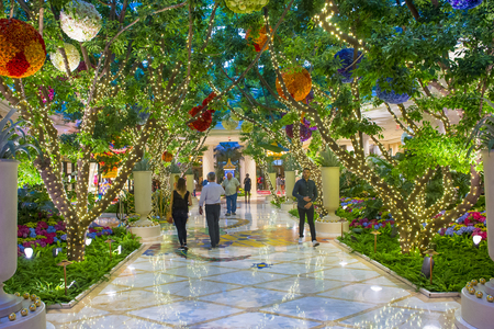 nv: LAS VEGAS - MAY 21 : The Wynn Hotel and casino on May 21 , 2016 in Las Vegas. The hotel has 2,716 rooms and opened in 2005.