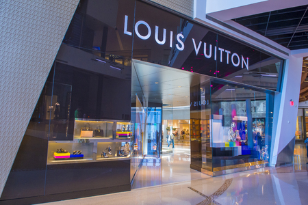 vuitton: LAS VEGAS - MAY 21 : Exterior of a Louis Vuitton store in Las Vegas strip on May 21 , 2016. The Louis Vuitton company operates in 50 countries with more than 460 stores worldwide Editorial