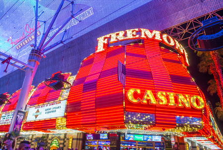nv: LAS VEGAS - JULY 04 : The Fremont Street Experience on July 04 , 2016 in Las Vegas, Nevada. The Fremont Street Experience is a pedestrian mall and attraction in downtown Las Vegas