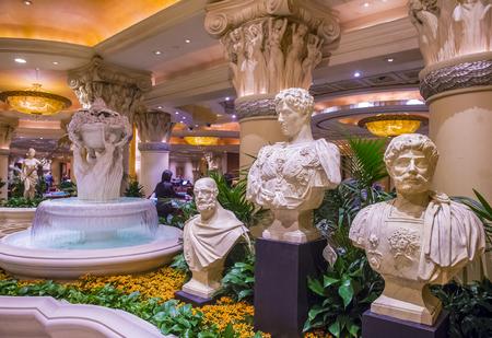 caesars palace: LAS VEGAS - NOV 24 : The Caesars Palace interior on October 05 2016 in Las Vegas. Caesars Palace is a luxury hotel and casino located on the Las Vegas Strip. Caesars has 3,348 rooms in five towers