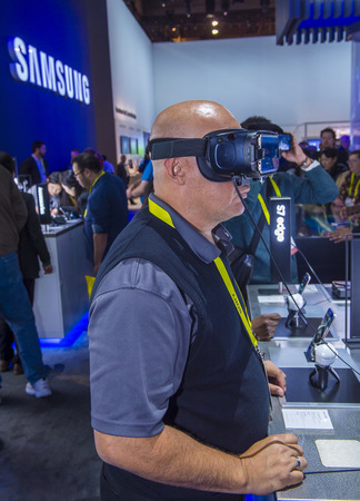 ultra modern: LAS VEGAS - JAN 08 : Virtual reality demonstration at The Samsung booth at the CES show held in Las Vegas on January 08 2017 , CES is the worlds leading consumer-electronics show. Editorial