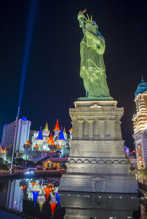 nv: LAS VEGAS - NOV 24 : Replica of the Statue of Liberty of New York hotel in Las Vegas on November 24 2016 , This hotel simulates the New York City skyline and It was opened in 1997.