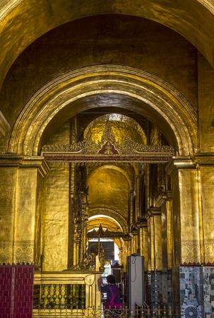 sep: MANDALAY, MYANMAR - SEP 02 : Interior of Mahamuni Pagoda in Mandalay, Myanmar on September 02 2017. Mahamuni is a Buddhist temple located southwest of Mandalay
