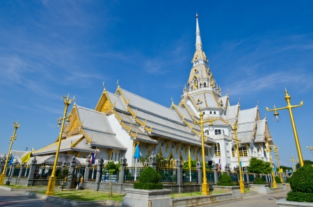 Sothorn Wararam Woraviharn temple, Thailand. photo