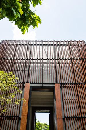 public park: Moderno edificio en el parque p�blico, Tailandia Editorial